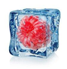 Rezept: Leckere Deko-Eiswürfel mit gefrorenem Obst